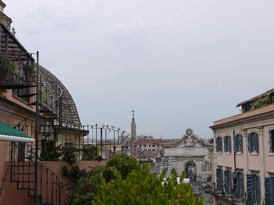 Piranesi Palazzo Nainer Hotel: VIew of Piazza del Popolo from the terrace