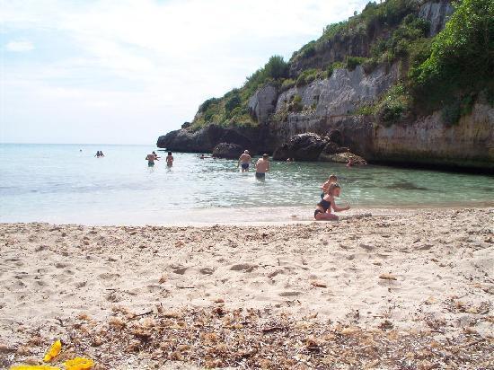 Complejo Calas de Mallorca : Beach number 2 (to rightof hotel)