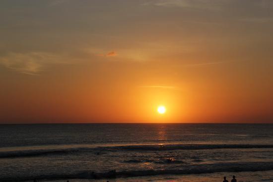Masa Inn: Sonnenuntergang am Kutabeach 2011