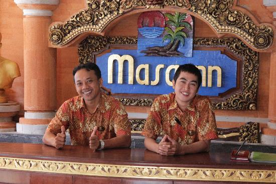 Masa Inn: Masa Inn - Rezeption mit freundlicher Staff  2011