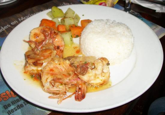 Mi Ranchito: Garlic Shrimp entree