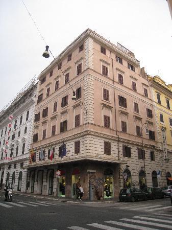 โรงแรมยูโรสตาร์ โดมัส ออเรีย: ホテル外観