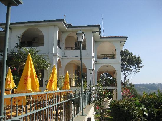 Casa Blanca Hotel: Side of hotel