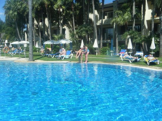 BlueBay Banus: Pool
