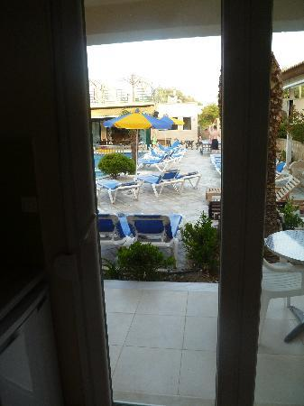 Kavos Plaza: little patio out to the pool.