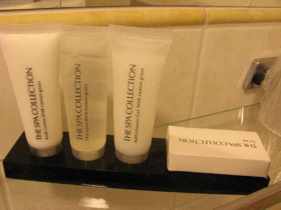 Ambassador City Centre Hotel: some cosmetics