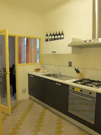 Tourist House Vittorio Ricci: Great Kitchen which was well stocked.