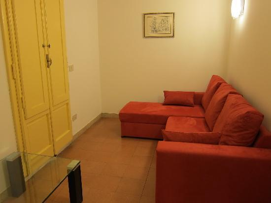 Tourist House Vittorio Ricci: Upstairs lounge.