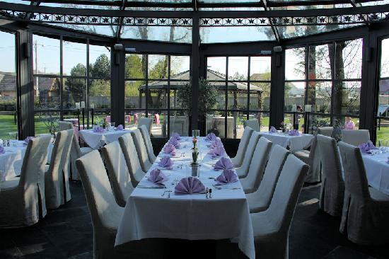 Villa Park Wiselka: dining area