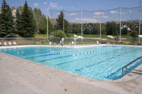 The Ridge at Elkhorn : Elkhorn Village Pool