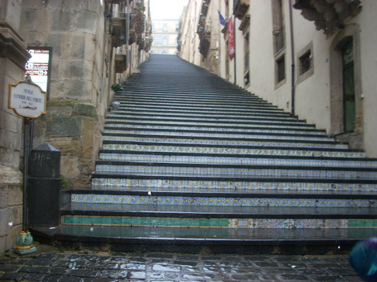 Caltagirone, Italia: The Scala has recently been listed as a World Heritage Site