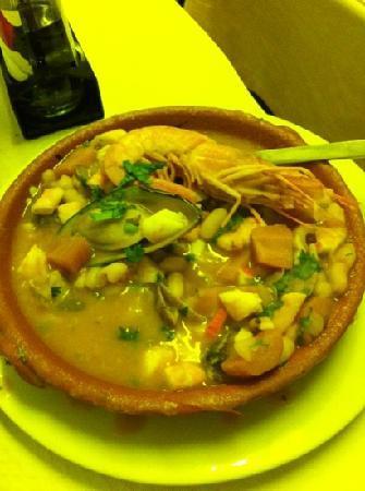 Restaurante O Horta: feijoada marisco(i had already 25%) delicious