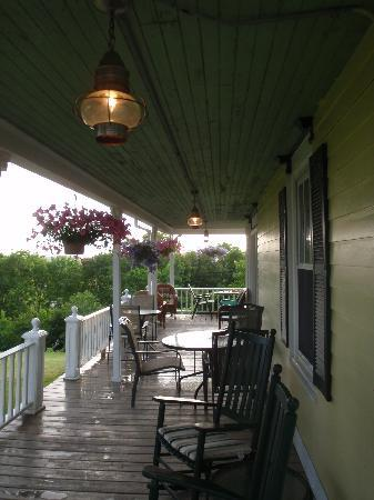Harbor House Inn: After the rain