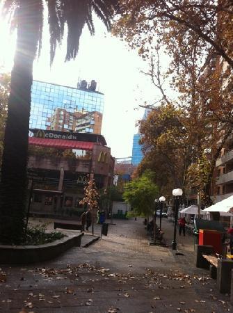 Apart Neruda: calle del hotel