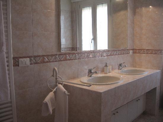 Il Paiolo B&B: bagno suite margherita