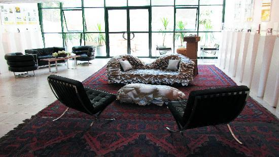 The Diaghilev, LIVE ART Suites Hotel: The Diaghilev - Lobby
