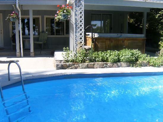 Caprice Bed & Breakfast: CAPRICE-POOL & HOT TUB