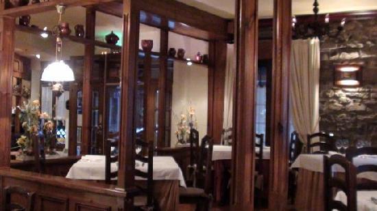 Hotel Restaurante Pradas Ordesa: Restaurant view