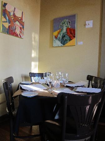 Cha Bella: Table