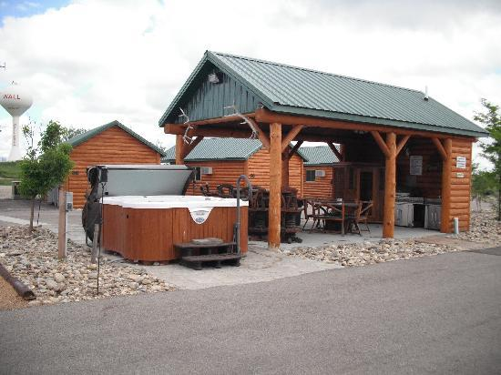 Hot tub grill area picture of frontier cabins motel