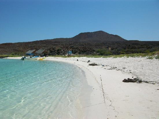 La Mision Loreto: Beach at Coronado Island