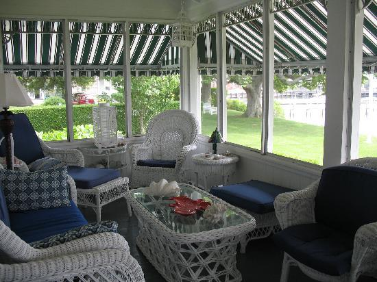 Harbor Knoll : Screened-in porch to relax in...