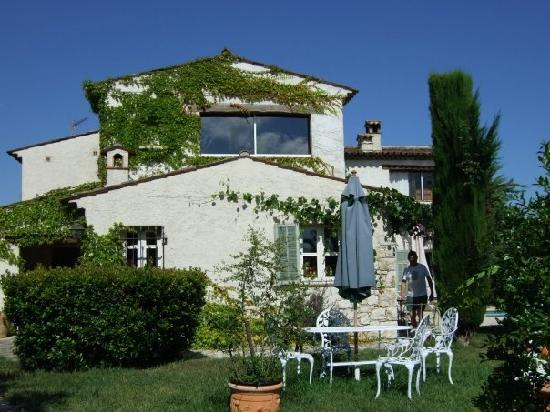 Le Mas Saint Antoine : The house is gorgeous for being quintessentially Provencal