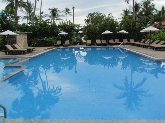 Smile House Resort: pool