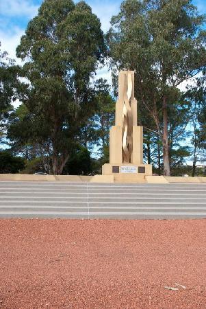Rats of Tobruk Memorial: Simple but moving