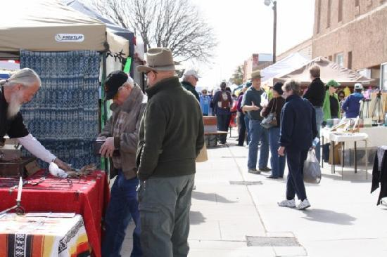 Farmers & Crafts Market of Las Cruces: Shopping the market
