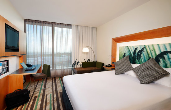 Novotel Auckland Airport: King room