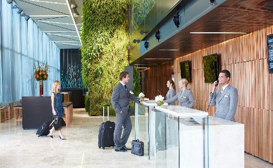 Novotel Auckland Airport: Reception