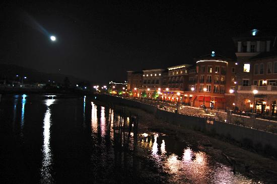 Napa River Inn at the Historic Napa Mill: Full moon over the hotel and environs from the river