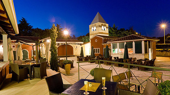 Umag, Croacia: The bar at the hotel Sol Garden Istra