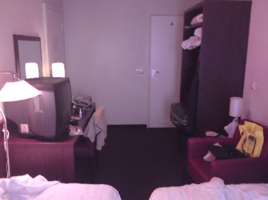 West Side Inn Hotel: такой вот небольшой номер