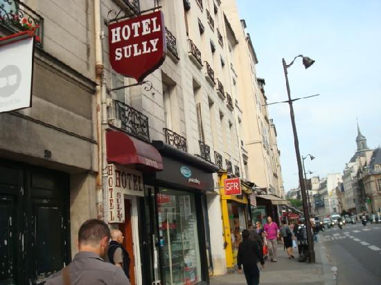 Hotel de Sully: ホテルの入り口