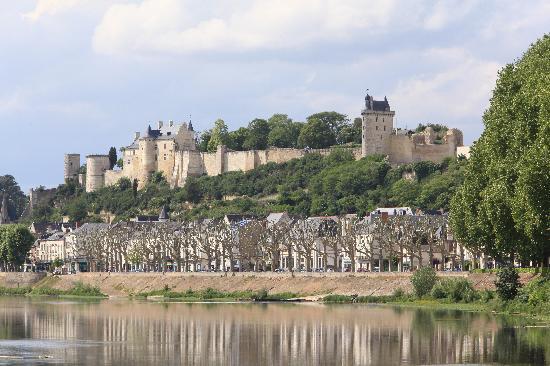 Le Clos de la Garde: Chinon - Fortress