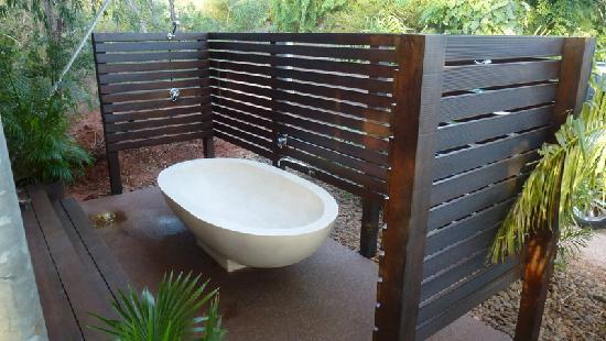 Coconutz Bed & Breakfast: Outdoor (Secluded) Bath and Shower