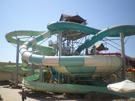 Coral Sea Aqua Club Resort: the big slides