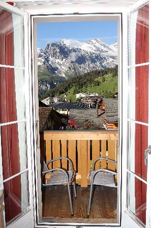 Hotel Jungfrau : Balcony and view