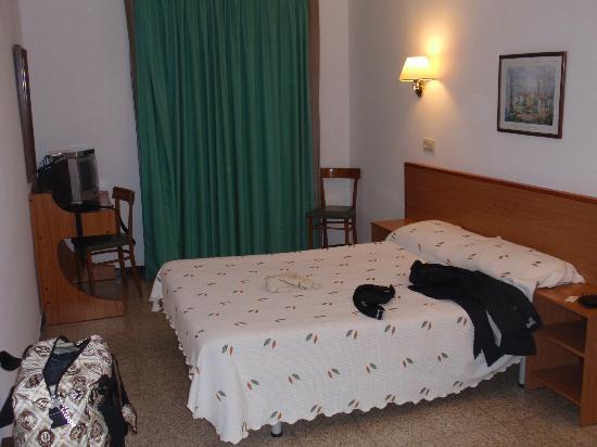 Hotel Simeon : Habitación