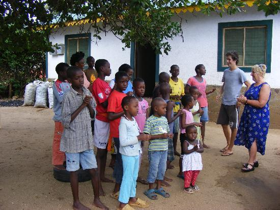 Glorious Safaris: HEART CHILDRENS HOME SINGING A WELCOME