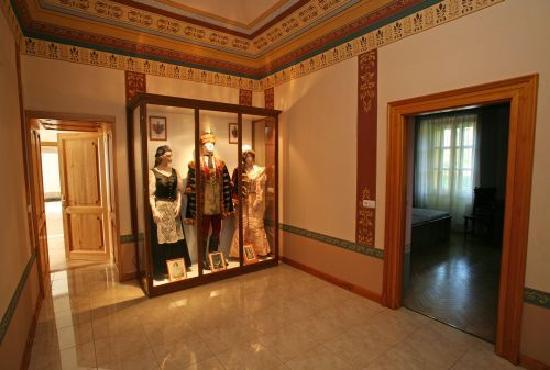 Chateau Bano: Tarditional Hungarain dresses
