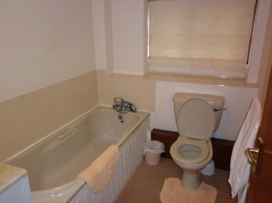 Countryman Inn: Bathroom
