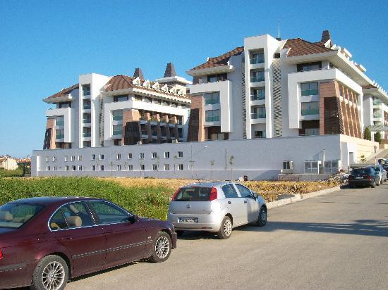 Sherwood Dreams Resort: Approach to hotel