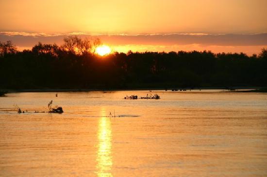 Cayasta, Argentina: Atardecer en el río San Javier