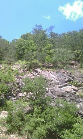 Gooney Creek Campground: Full view of rock formation behind site 21.
