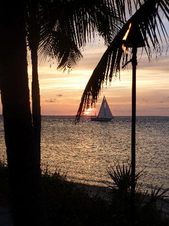Sunset Key Cottages: dinner and sunset
