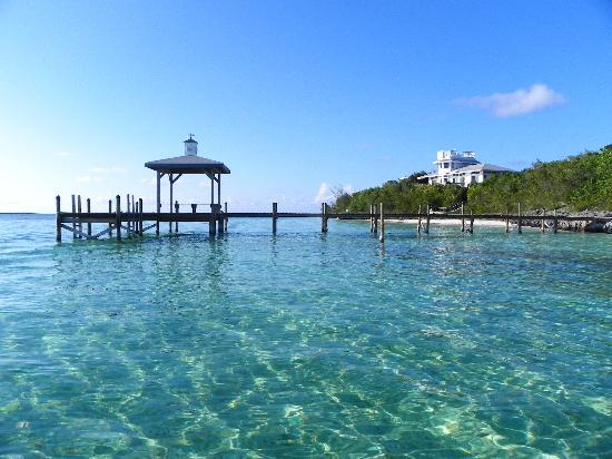 Hope Town Harbour Lodge: Crystal clear waters near Hopetown