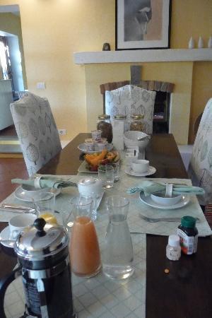 Casa di Maio: B&B's dining room